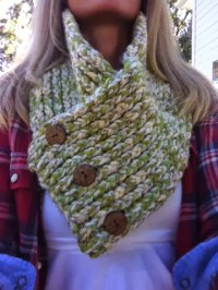 LOOM KNIT COWL/SCARF | Loom Knitting by This Moment is Good!