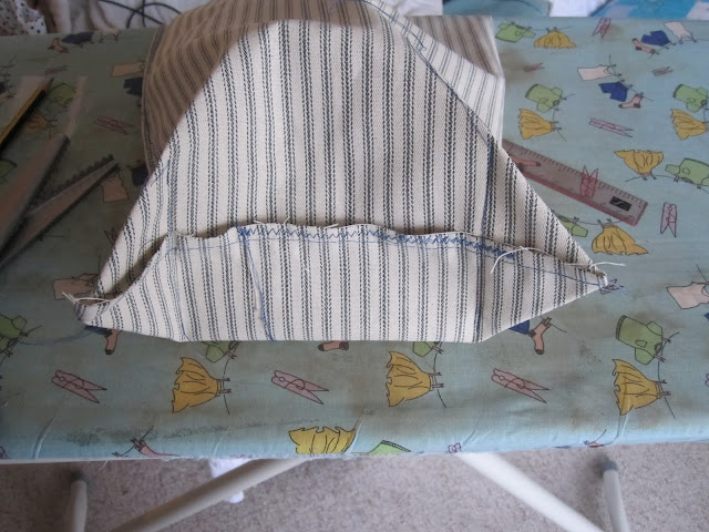Tutorial: How to Make a Bread Bag (5/6)