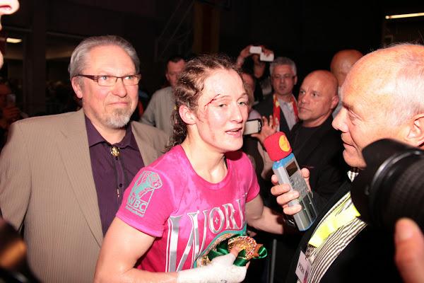 Delfine Persoon geeft interview aan Radio 2