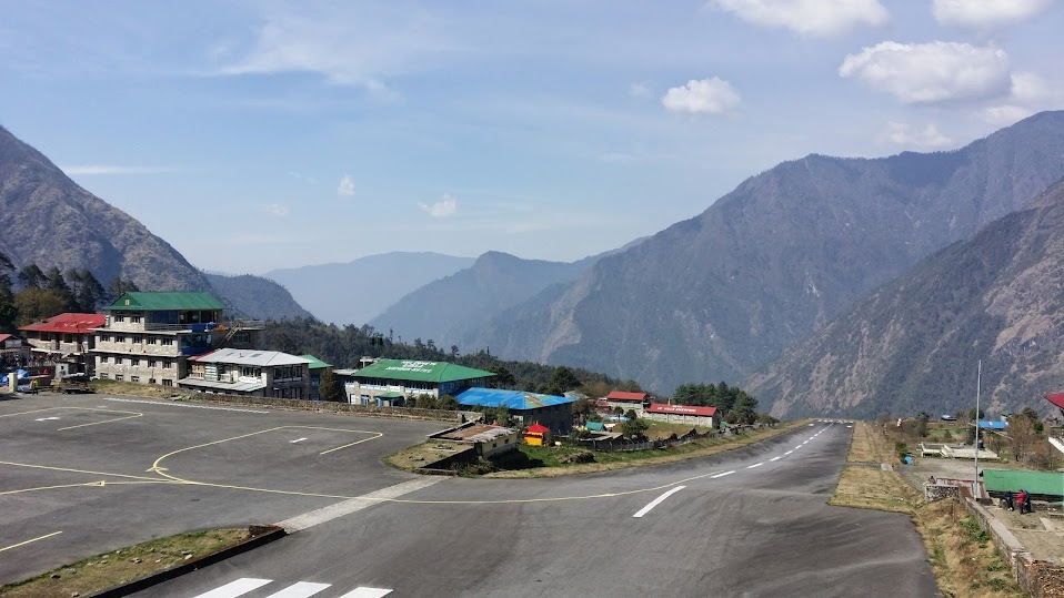 Lukla airport, one of the most dangerous in the world!