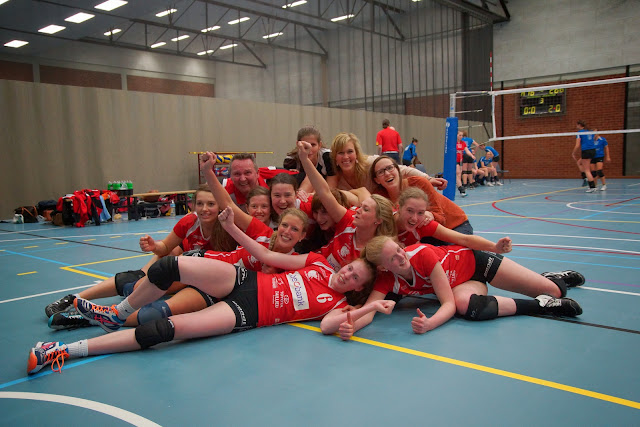 Bevo Roeselare A kampioen in 2e divisie damesvolleybal