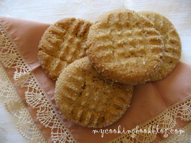 Бисквити с фъстъчено масло (Peanut Butter Cookies)