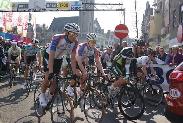 Dwars door Vlaanderen start in Roeselare