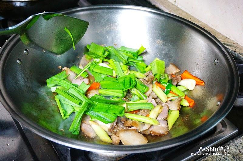 愛比諾橄欖油,蒜苗炒鹹豬肉-9