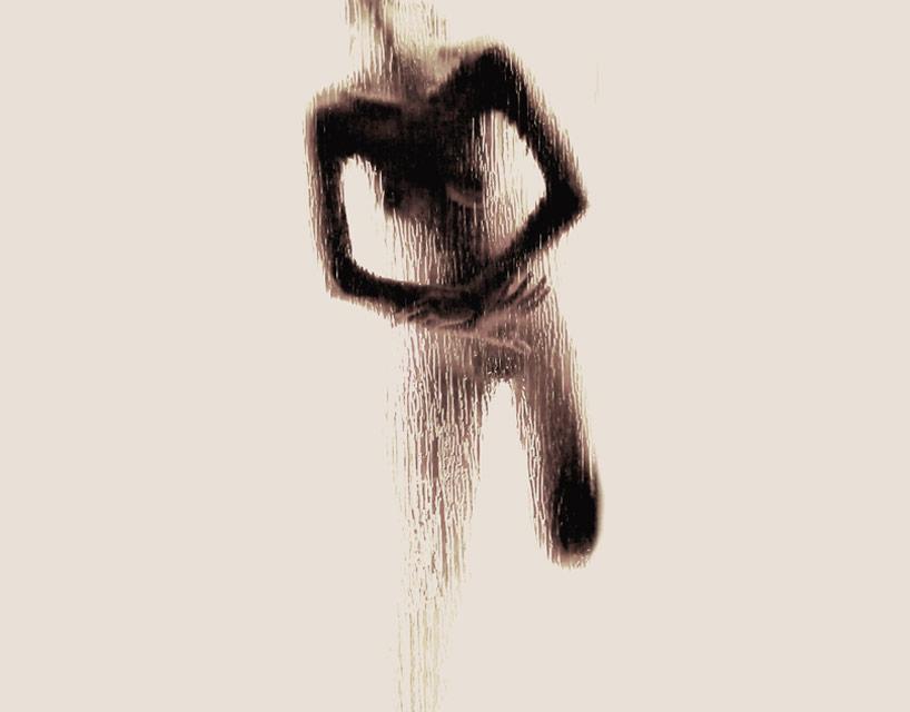 *女性裸體字母剪影:希臘藝術家Anastasia Mastrakouli 解剖人體視覺奧秘! 18