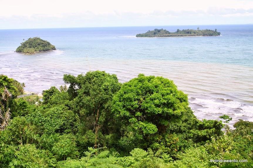 Cara menuju Pantai Air Manis Padang