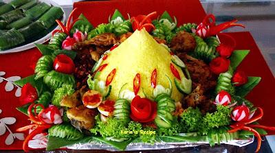 Nasi KuningTumpeng Nasi Kuning Indonesian Yellow Rice