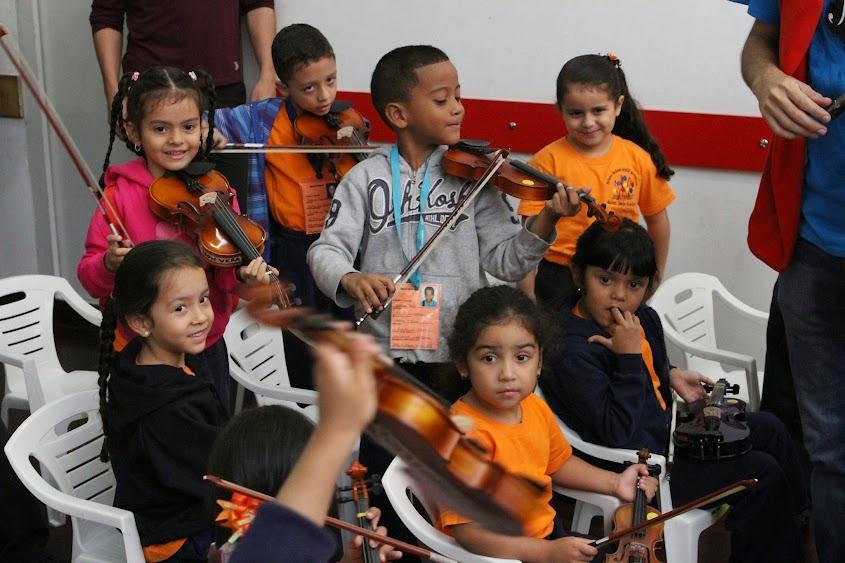Niños pertenecientes al Núcleo de Guarenas