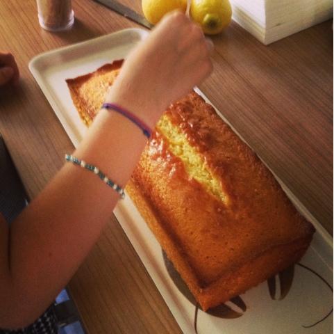 Kinderleichter getränkter Zitronenkuchen ohne Abwiegen