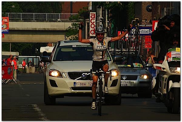 Amber Neben wint 5e Prijs stad Roeselare