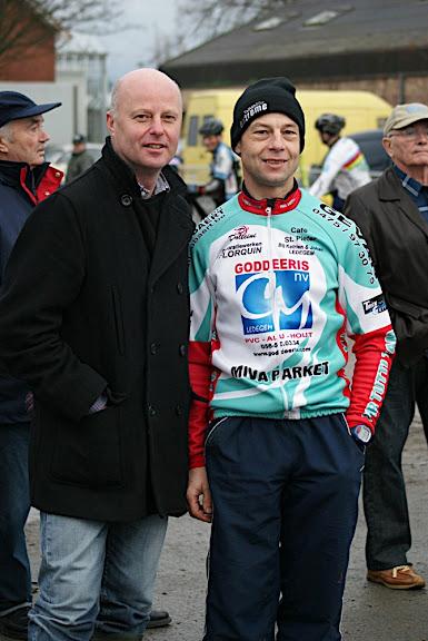 Schepen van Sport Roeselare José Debels en organisator Patrick Raes
