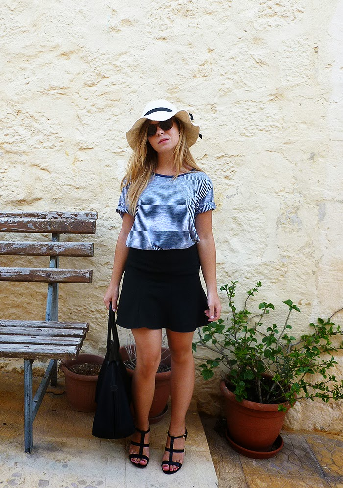 boyfriend tee, fashion inspiration, outfit, casual look, chic