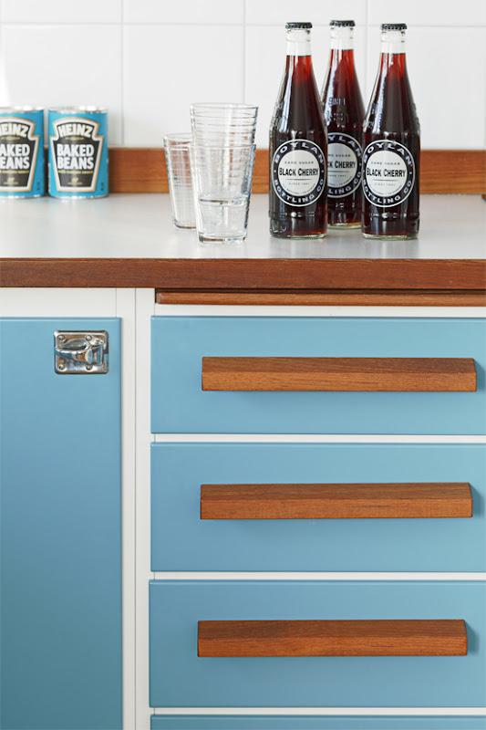 Decoración de cocina azul.