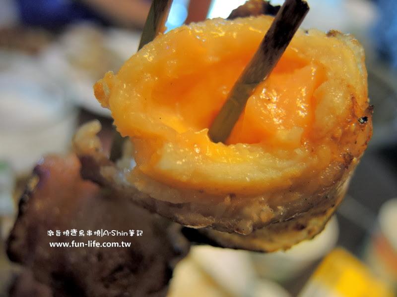 激旨燒鳥串燒 肉片 起司丸串,起司很濃郁.,好好吃