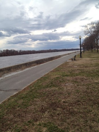 Running path along the river
