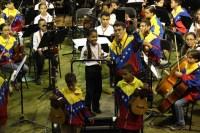 Momentos emotivos y grandes sorpresas incluyó la presentación de la SNIV en Puerto Ordaz. Los niños y jóvenes que siguen las cátedras de dirección orquestal destacaron en este ensayo abierto, en el que los aplausos sentenciaron la máxima calificación para los programas educativos que se siguen en la región.