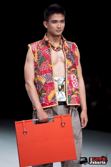 Sonny Muchlison_Emerald of The South East_Indonesia Fashion Week 2013_JCC Senayan_Jakarta
