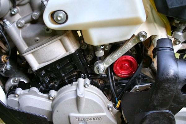 2011 Te 449 & 511 Oil Filter Cap Cafe Husky