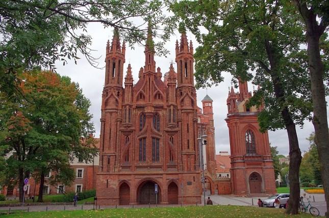 Qué ver en Vilna. Iglesia de Santa Ana, Vilna, Vilnius