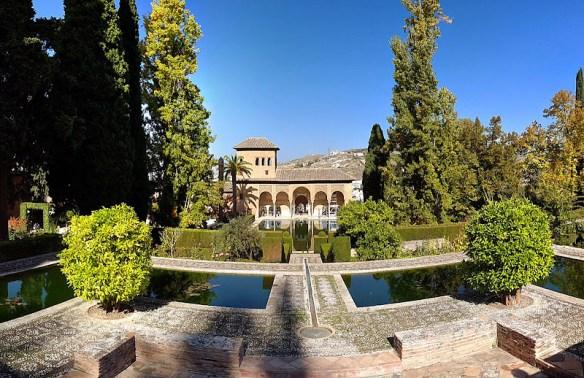 Ruta por Andalucía. Jardines del Partal, la Alhambra, Granada