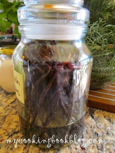 Как да съхраним свежи и меки ваниловите шушулки