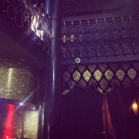 Blingy gold and black decadent decor at the Riverside Lounge buffet