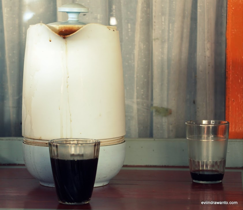 minum kopi gratis