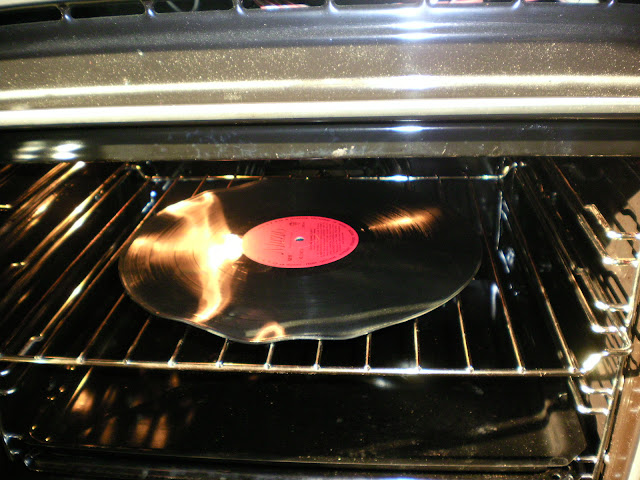 Making Bowls out of Old Vinyl Records (2/6)