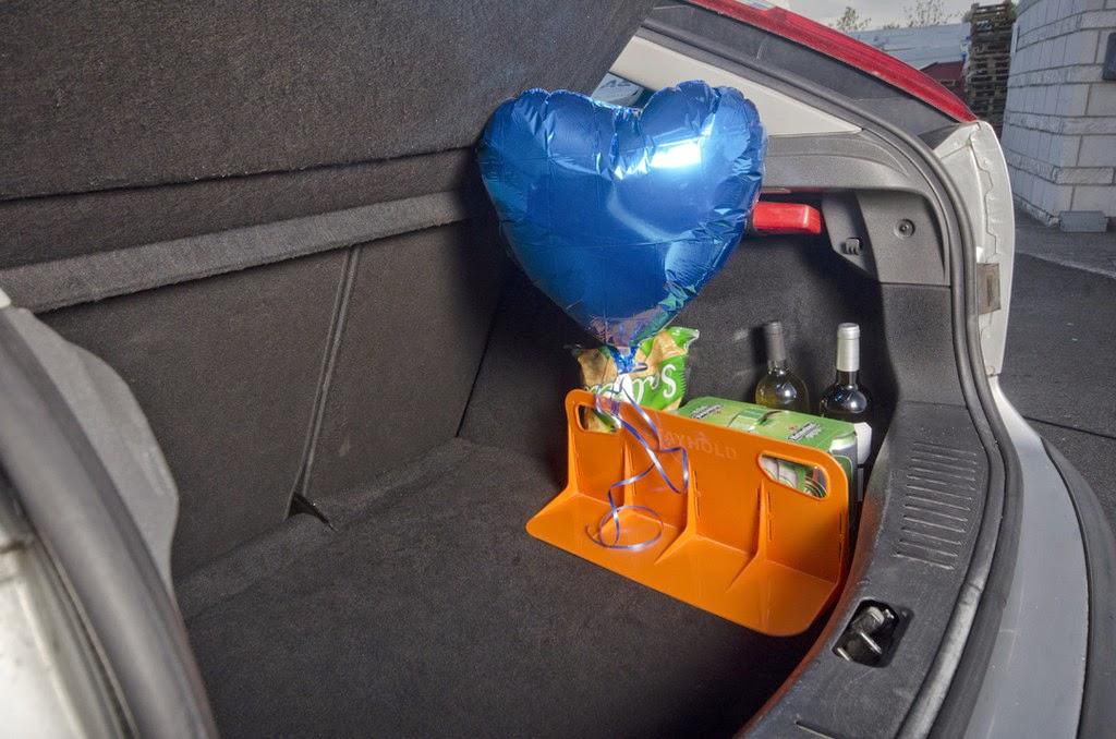 *STAYHOLD™魔鬼沾分隔擋:行車時不再聽見後車廂物品的碰撞聲! 4