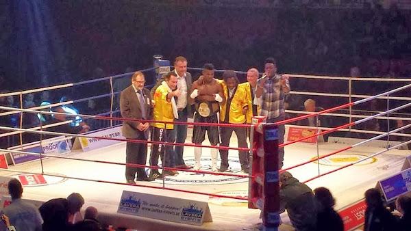 Yves Ngabu wint op boksgala Aalst de Vlaamse titel