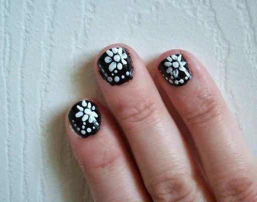 Black and White Nail Art  35 Beautiful Black & White Nail Art Designs and Ideas 2017 Black 2520and 2520White 2520Nail 2520Art 2520Ideas 252025