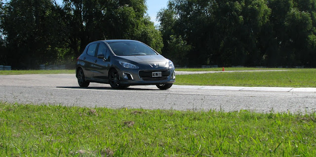 Fiat%2520Bravo%2520y%2520Peugeot%2520308Sport_3377.JPG