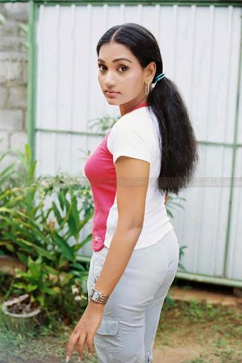 Chathurika Peiris Photos
