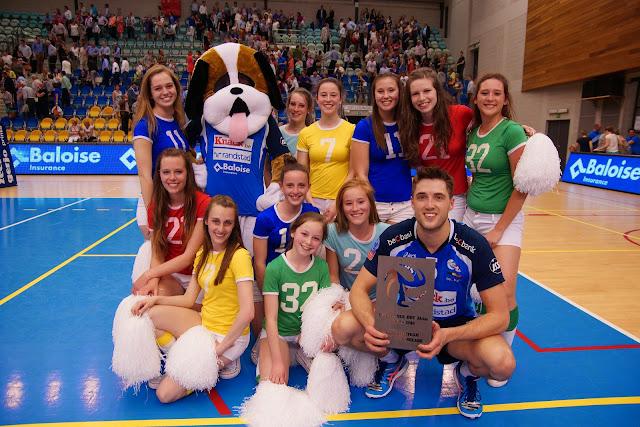 mascotte Gust, cheerleaders Knack Roeselare en Pieter Coolman speler van het jaar bij Knack