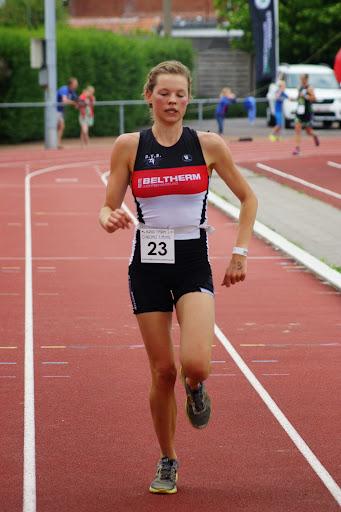 Hanne Vanclooster - 1/8e triatlon Roeselare - 1 juni 2014