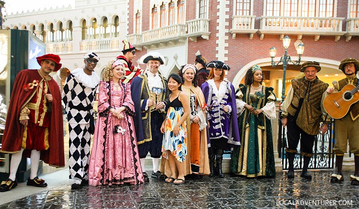 The Venetian Streetmosphere (25 Las Vegas Free Shows and Attractions).