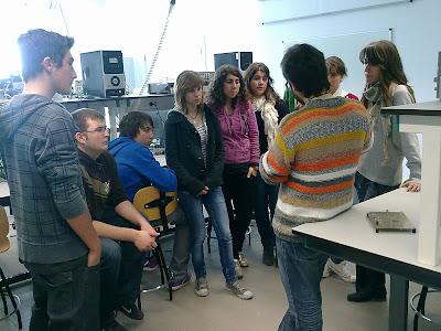Els alumnes al laboratori