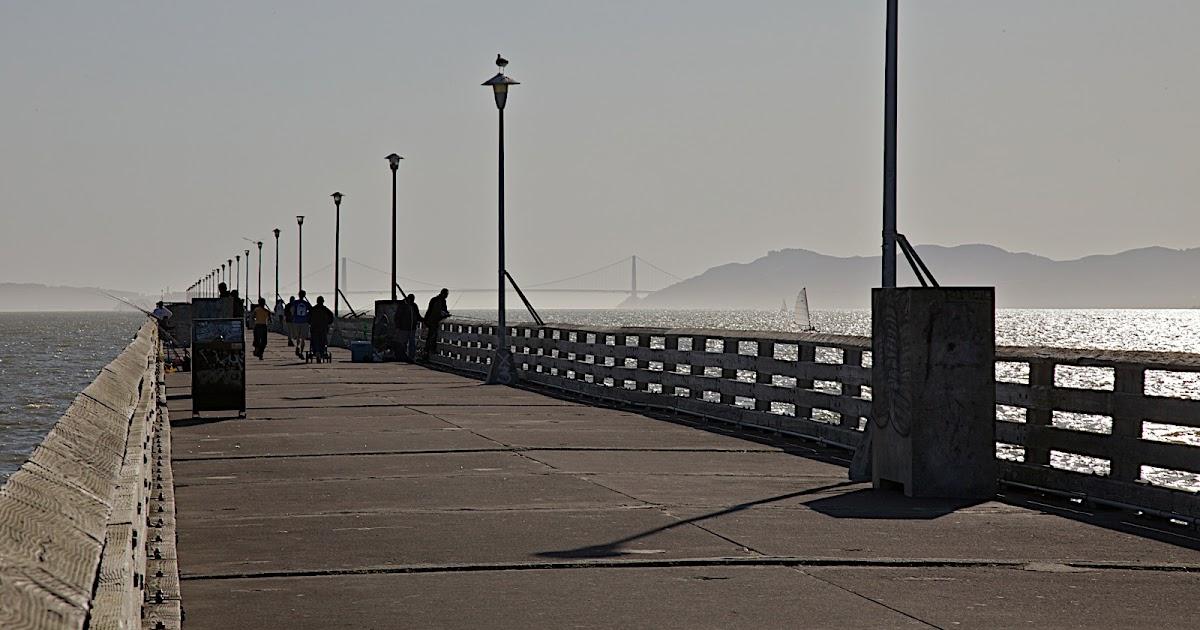 Voyagers: Berkeley Pier 柏克萊碼頭區