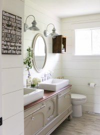 10 Beautiful bathrooms with shiplap walls | The Inspired Hive