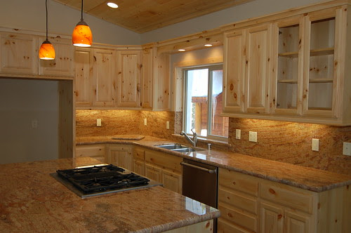 Knotty Pine Cabinets With Granite Countertops