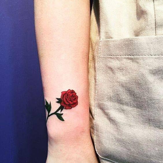 Tatuajes De Rosas En La Mano Para Mujer Guatelinda