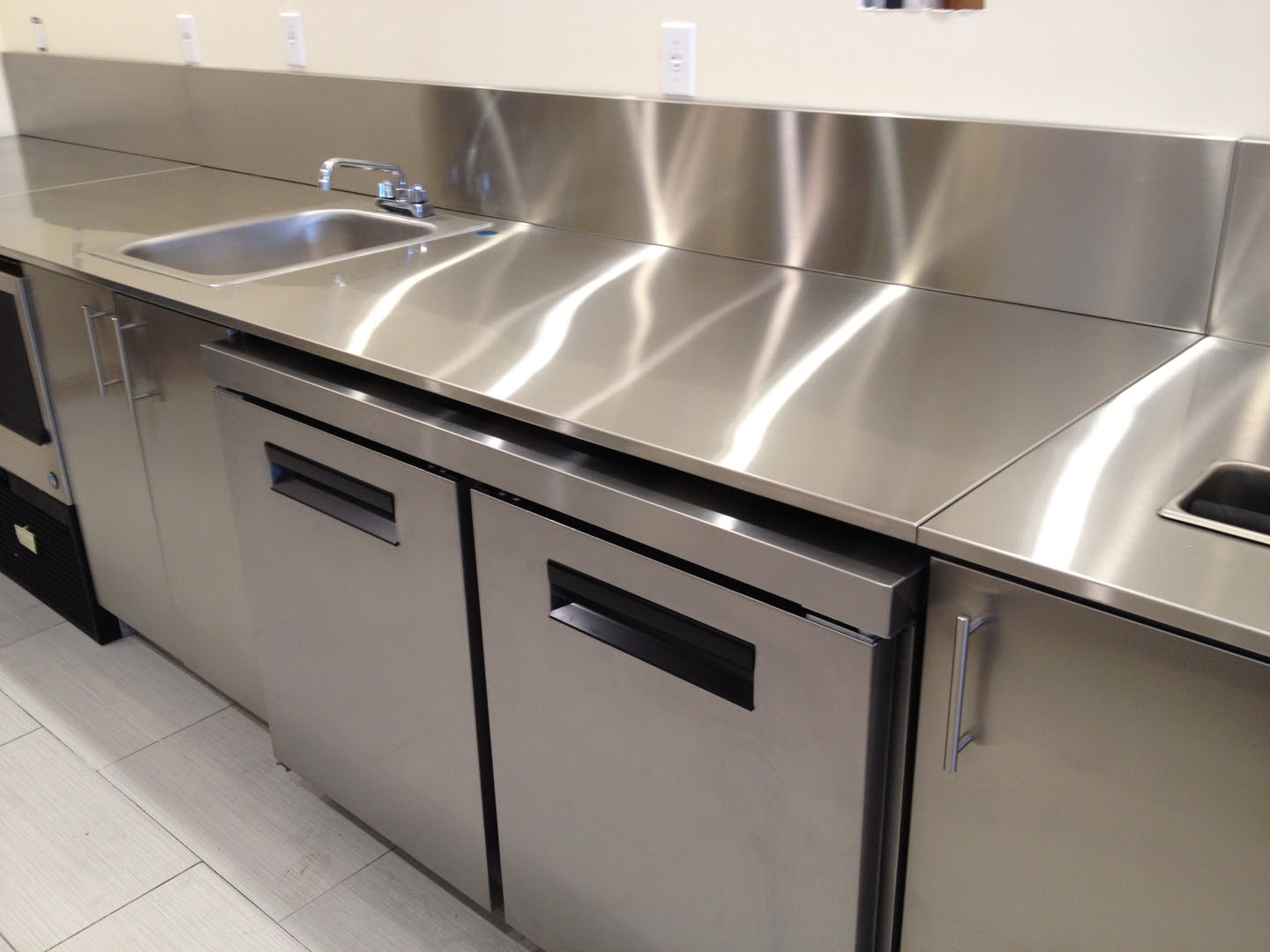 stainless steel kitchen aid 6000 hd plush cabinets swing