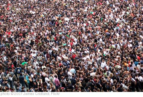 'Crowd' photo (c) 2007, James Cridland - license: http://creativecommons.org/licenses/by/2.0/
