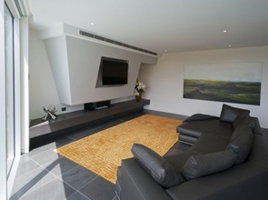 decoracion sala moderna sillon cuero negro