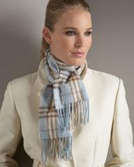 Casaco marfim com cachecol