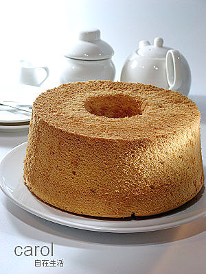 Carol 自在生活 : 香草牛奶戚風蛋糕