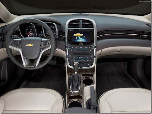 Chevrolet-Malibu_2014_1600x1200_wallpaper_06