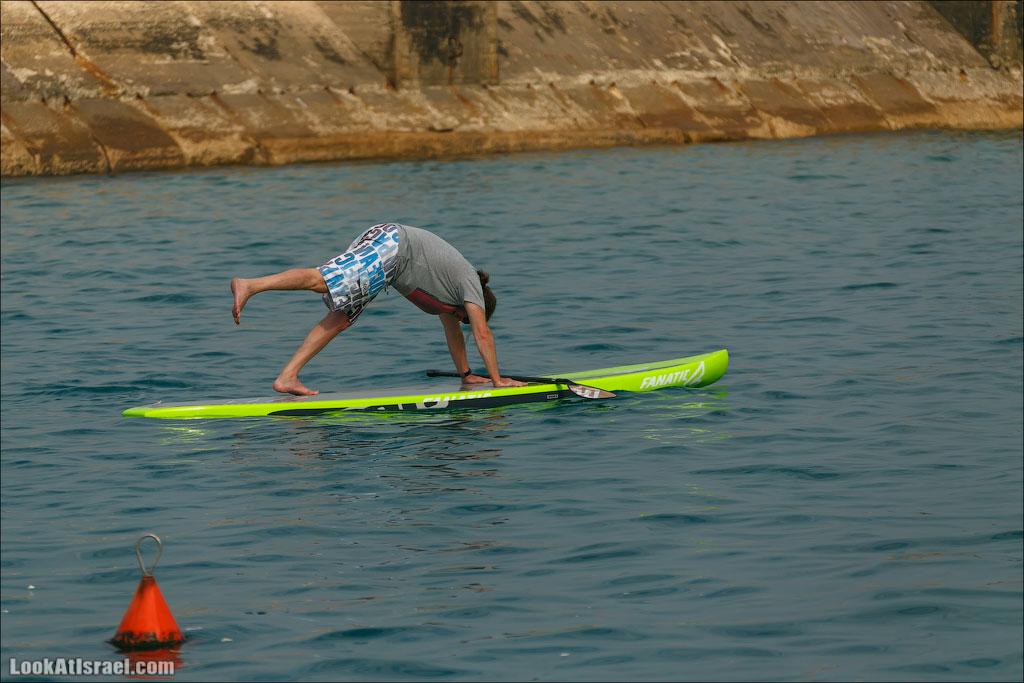LookAtIsrael.com - Фото путешествия по Израилю   Занятия йогой в море в Тель Авиве   Yoga in Tel Aviv