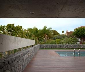 Terraza-de-madera-para-piscina