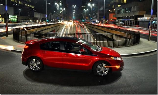 Chevrolet Volt Fazendo um Passeio de Reconhecimento